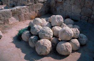 Balas de las catapultas romanas que sirvieron para la toma del Herodión